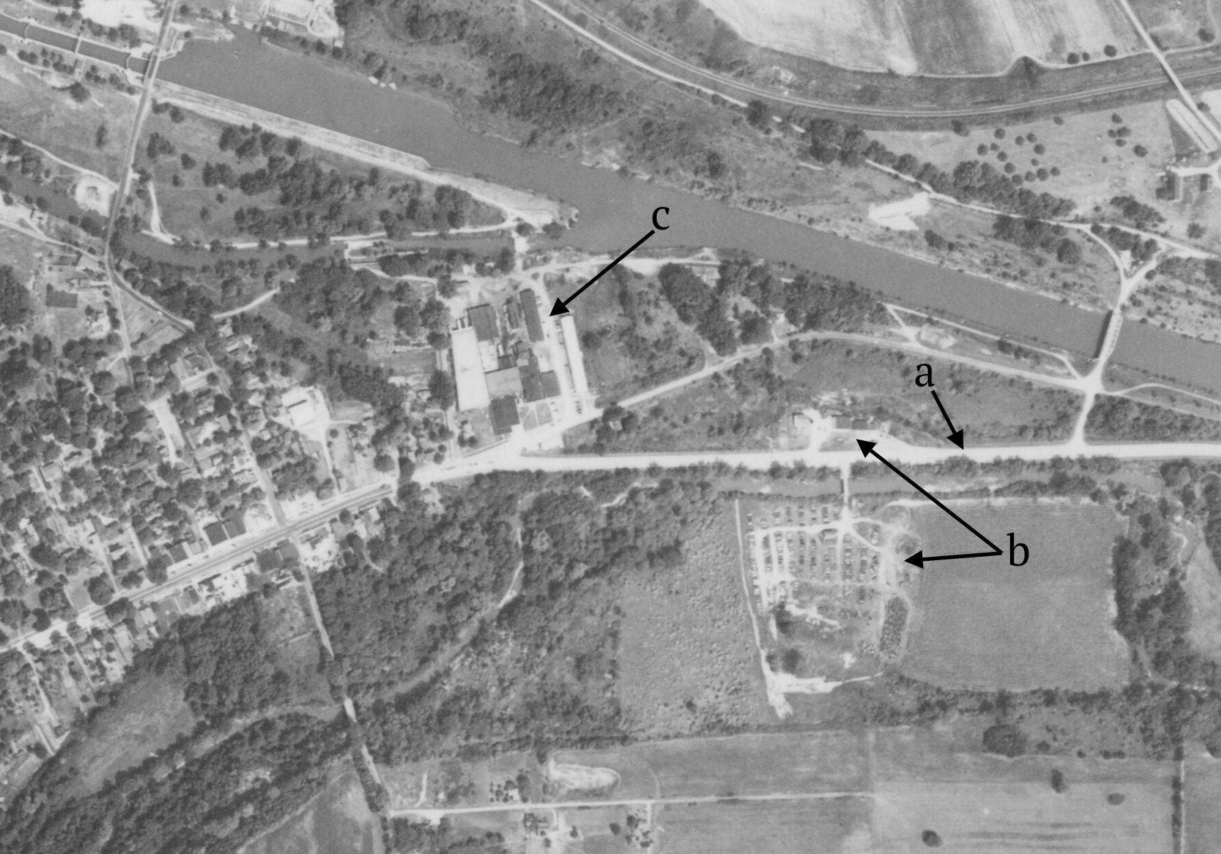 An aerial view of Route 31 in 1954